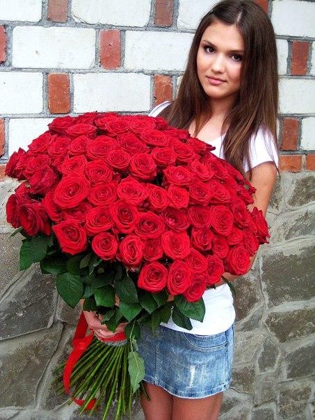 Купить 100 роз дешево